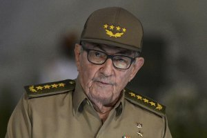 Raúl Castro passes baton to next generation